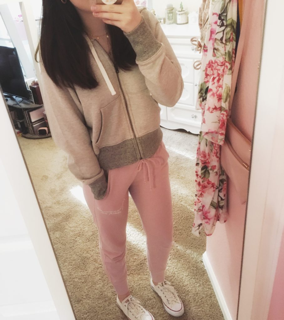 1 of the ABSOLUTE best comfy outfits to wear at home   comfy quarantine outfit