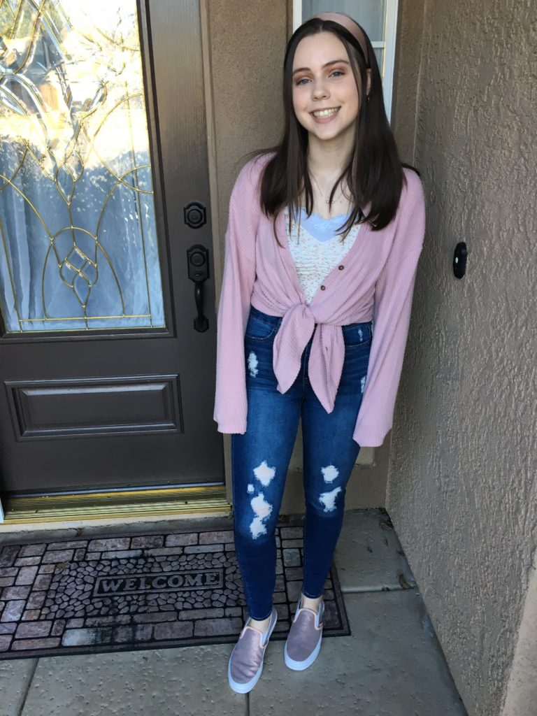rose gold vans outfit ideas ~ slip on vans with floral gina top from brandy melville and pink button front cardigan + ripped distressed skinny jeans
