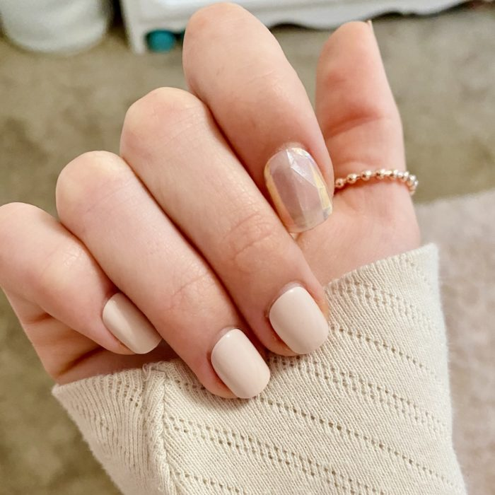 """pink and girly, """"curious mind"""" impress press on nails review"""