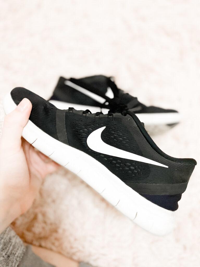 best workout shoes for women, best running shoes, nike running shoes, nike sneakers, nike workout shoes for women, black nike tennis shoes