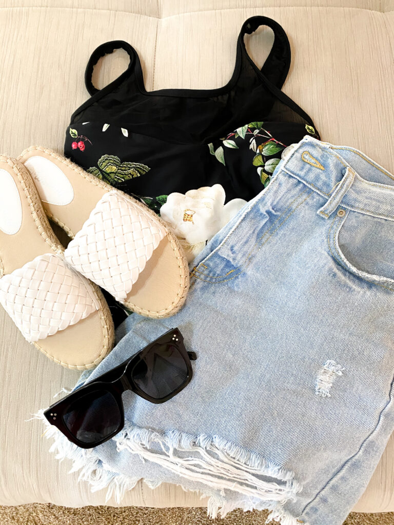 lake day outfit