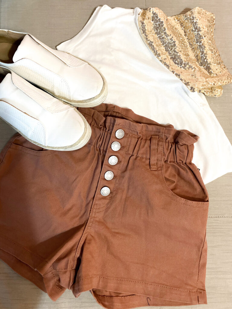 brown shorts outfit