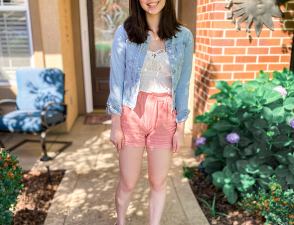 pink shorts outfit