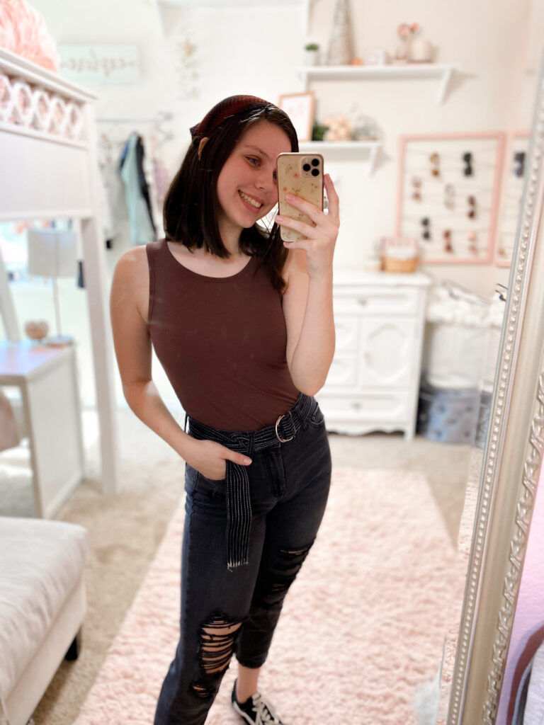 brown tank outfit